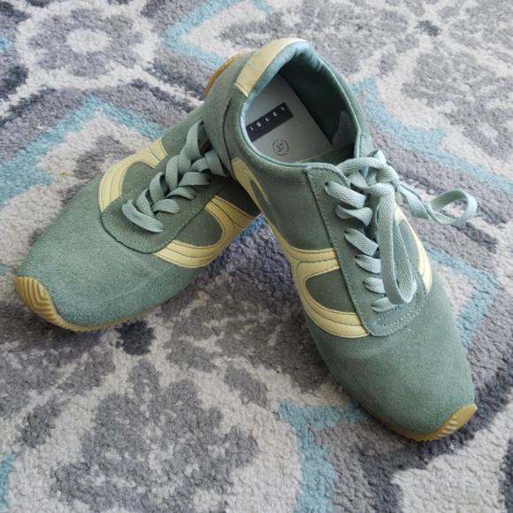 a1795e2b22 Sisley green sneakers. M 5b49223df63eeac9a88744a1